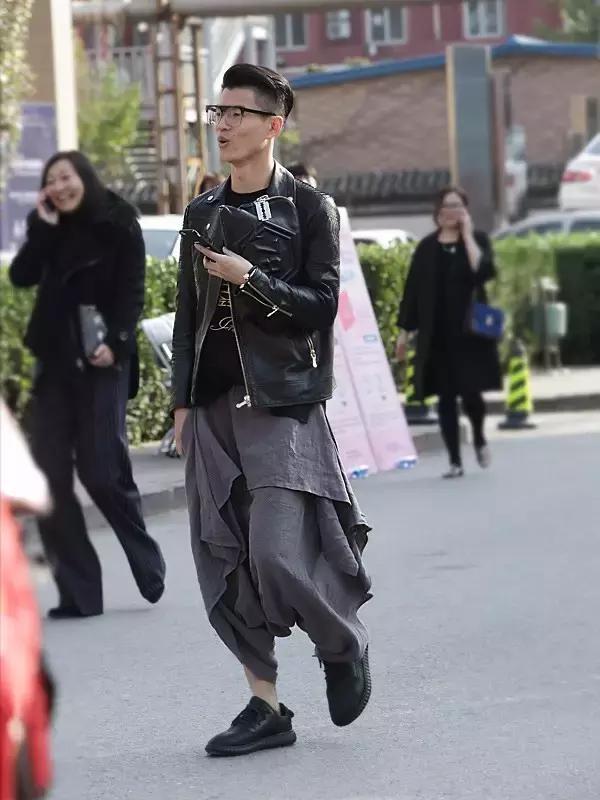 别再看国外的时尚博主穿什么了!国内街拍发现你的美