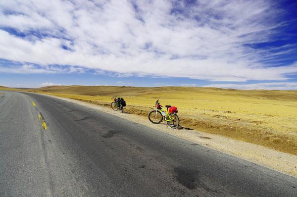 骑行青藏线:对体力和毅力的双重考验