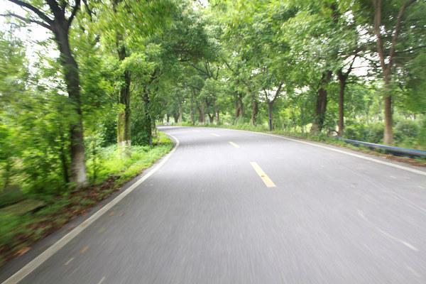 这条最美骑行公路,也是盛夏最凉爽的户外胜地
