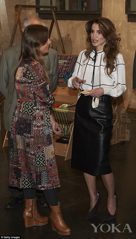衣品赛过凯特王妃!约旦王后居然用衬衫