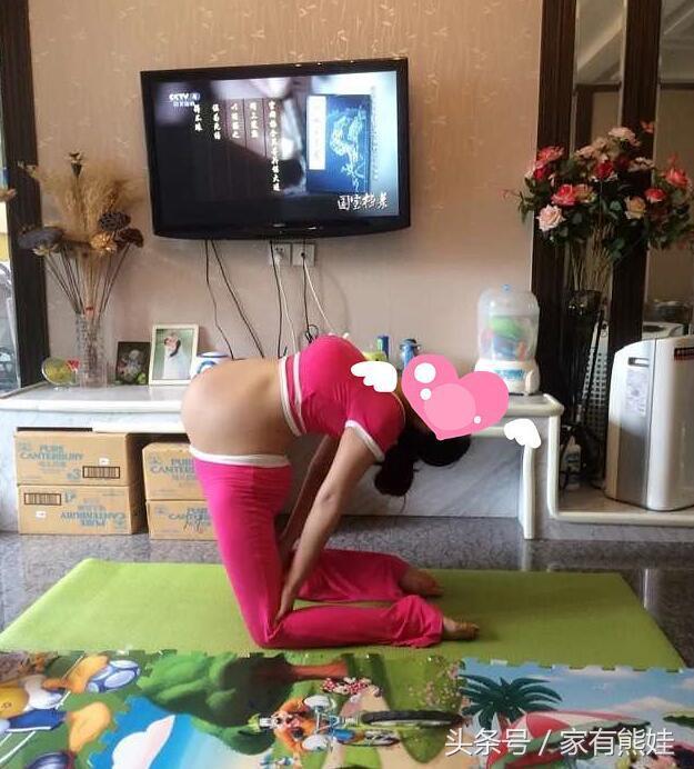 孕30周宝妈晒高难度瑜伽动作,为了顺产真的要这么拼?