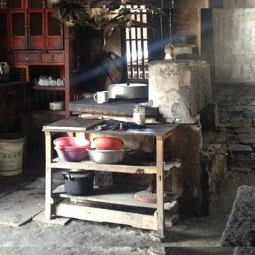 这些老家具,他们的年纪也许比你还大……