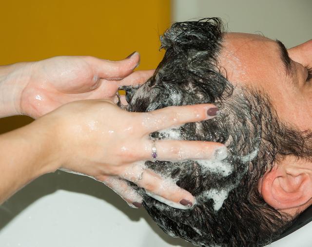 10款洗发水,潘婷为警示,力士、沙宣仅为中,为什么评分下降?