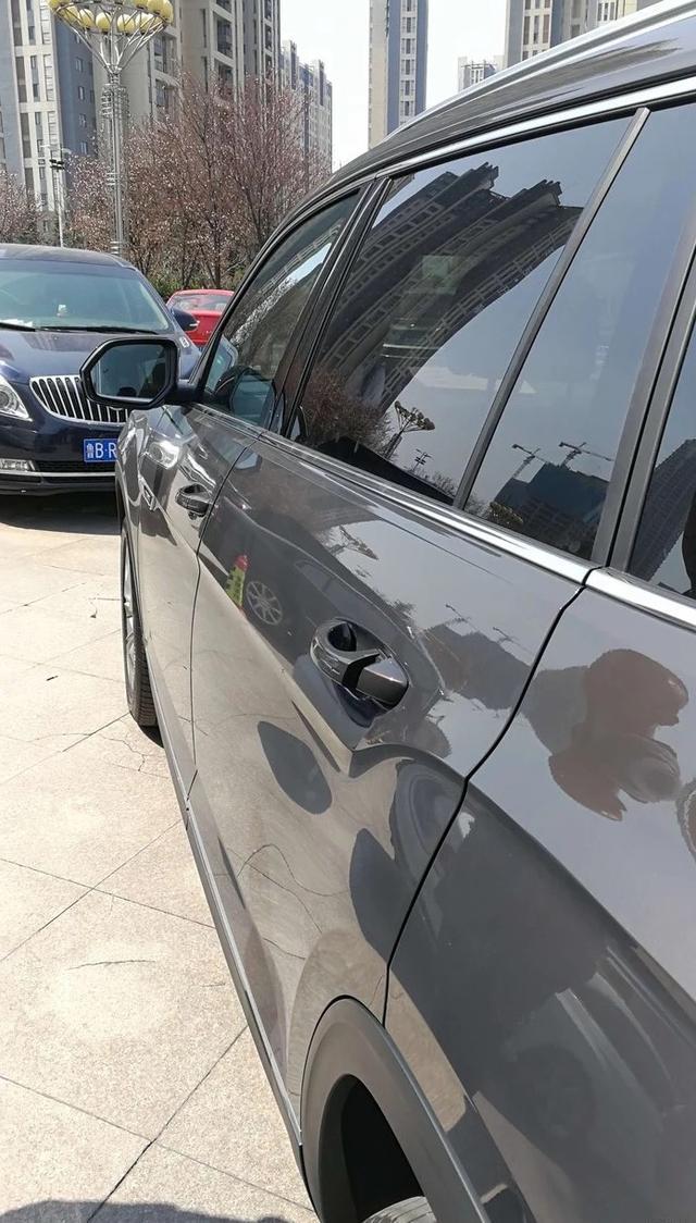 途昂提车1周,门把手坏了2次,维修师傅看了也直摇头