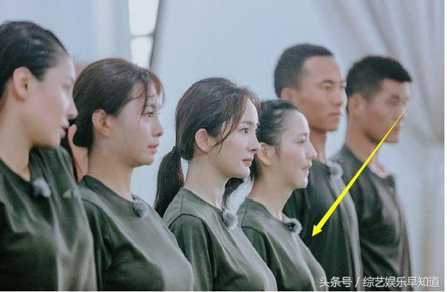 Angelababy生完孩子仍平胸,杨幂佟丽娅哺乳期大变样!