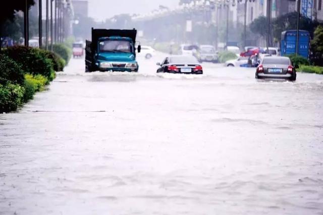 雨季涉水开车,这个功能一定要关掉,不然发动机可能会报废