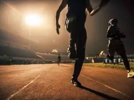 宁波一男子夜跑突然昏倒,送医院时深度昏迷,脏器衰竭!