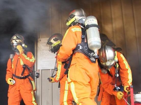 7月以来宁波住宅火灾高发 消防员支招预防夏季火灾