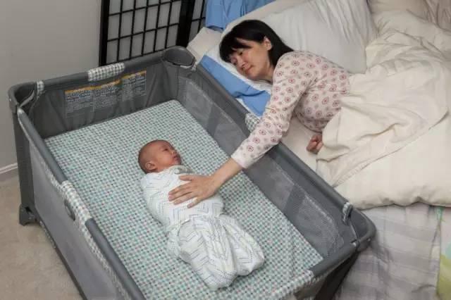 宝宝以这个姿势睡觉,会导致很多没有原因的猝死悲剧