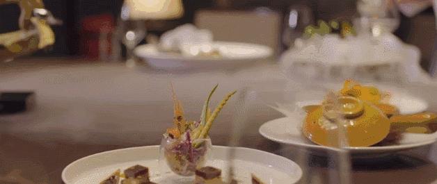 得天独厚的大自然条件与厨师精湛的厨艺巧妙地结合,道道特色。您可以毫不费力的用味觉记住宁波,记住宁波东钱湖华茂希尔顿度假酒店。
