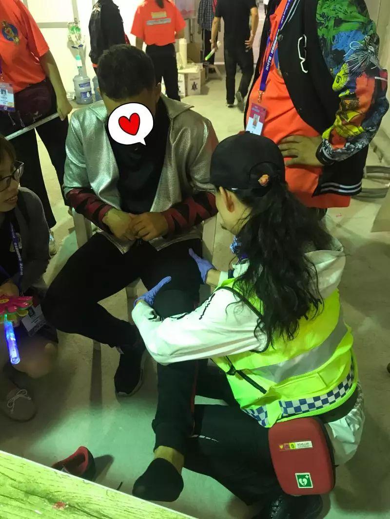 外籍男子飞机上晕厥!宁波美女总裁拿出两样东西参与救援,专业人士看了都点赞!