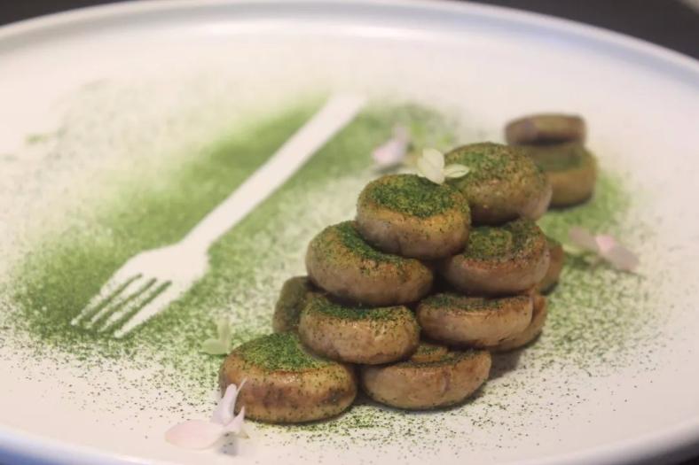 香煎小蘑菇:富含蛋白质和氨基酸,具有抗菌、降血糖的作用。