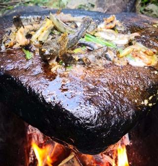 在没信号的地方,进行了一场复古的烧烤……
