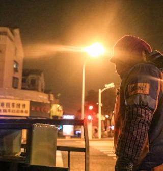 凌晨4点的宁波街头,你见过吗?