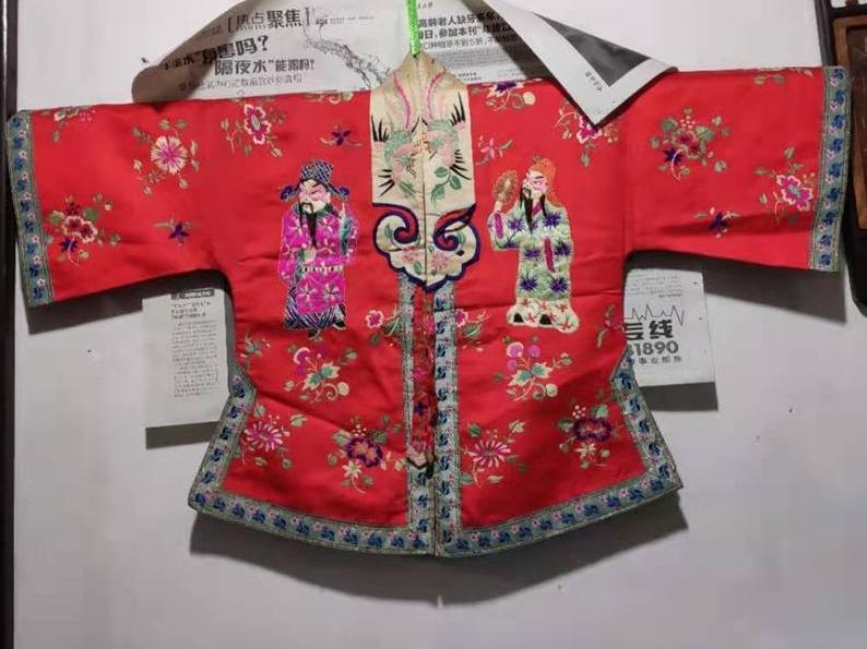 老底子的宁波地区千金小姐小时候的衣裳