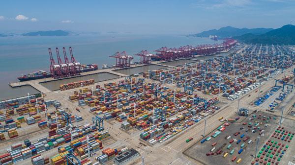 宁波舟山港1月吞吐创新高 人民日报头版点赞港口开年亮点