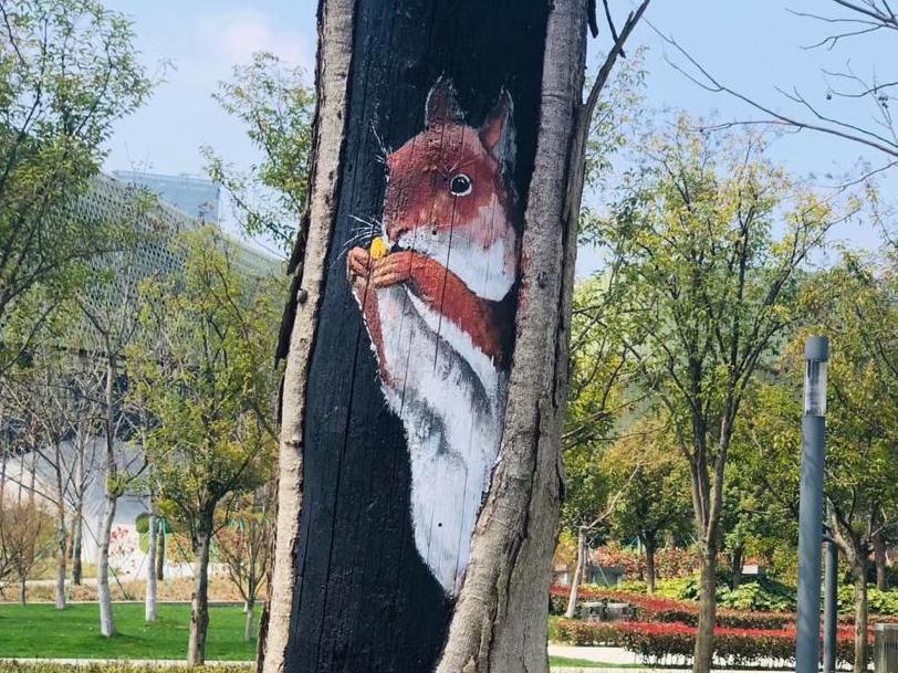 彩绘很可爱,但这些树同意让你纹身了吗?