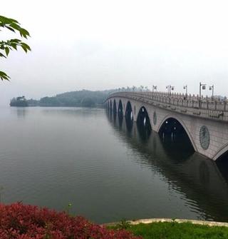 寧波第二大湖,湖邊景色完全不像在寧波…