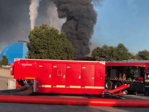 北仑区戚家山街道一仓库发生火灾,幸好没有人员伤亡