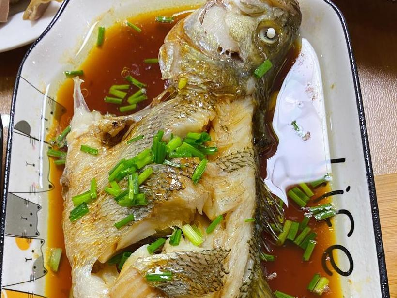 吃了N次蔥油鱸魚,這次去買條活的,結果丟人了...