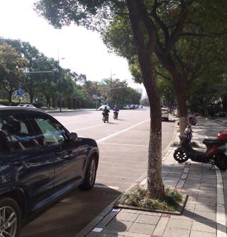 智慧停车镇海城关第一天,整洁空旷多了