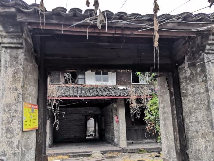 宁波市中心,这样一整片的老宅,真的太稀少了!